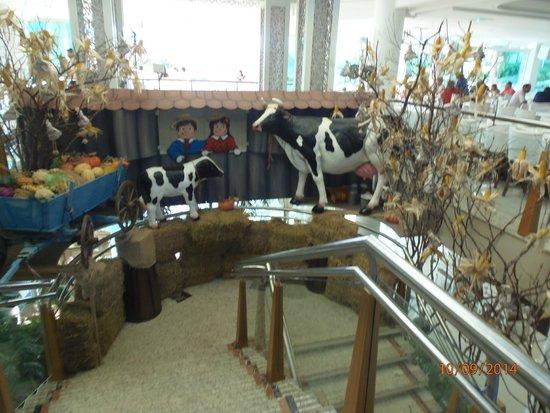 Fazzenda Park Hotel: parte de la decoracion tematica del comedor