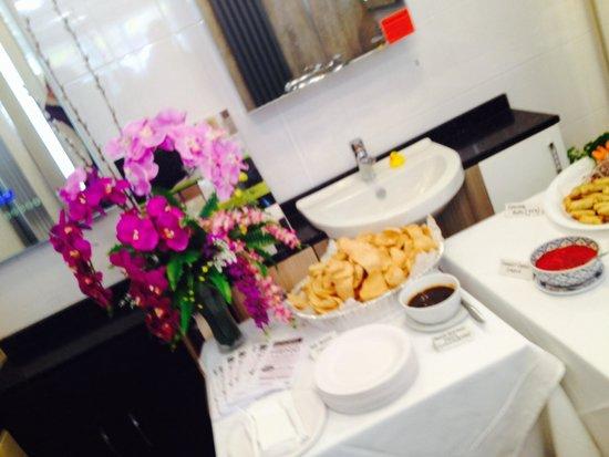 Lemongrass Thai Cuisine: At Lemongrass Thai cuisine