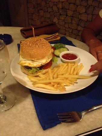 Garis Garis : Burger special