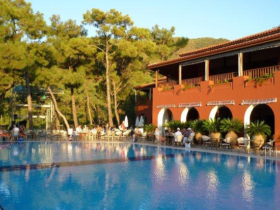 فندق تي تي هوتلز مارماريس إمبيريال: Bar et piscine