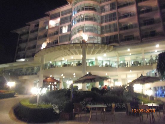 Fazzenda Park Hotel: de noche gran iluminacion
