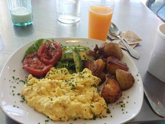 Hangar B Eatery: Eggs!