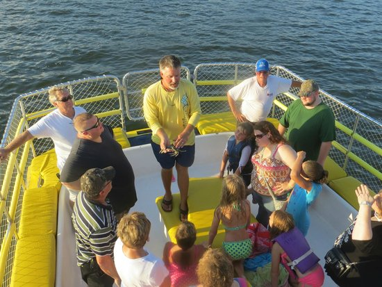 The Fun Boats Dolphin Cruises: Capt. Dean telling about blue crabs.