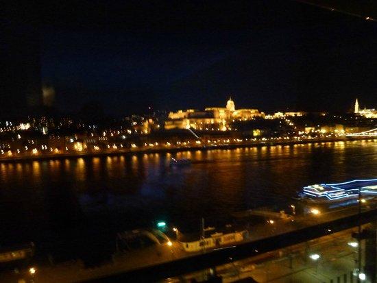 فندق بودابست ماريوت: view from 7th floor at night
