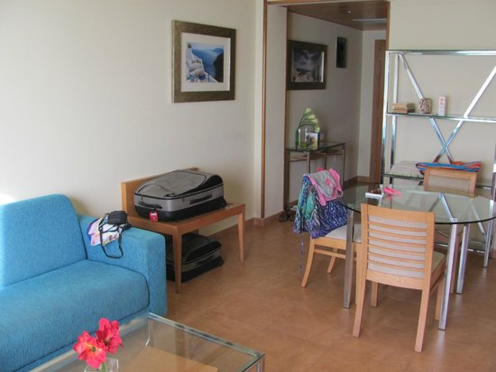 Elba Carlota Beach and Convention Resort: Номер люкс: гостиная