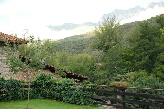 Posada San Pelayo: A view from the back terrace
