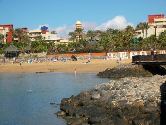 Elba Carlota Beach and Convention Resort: Hotel from pier