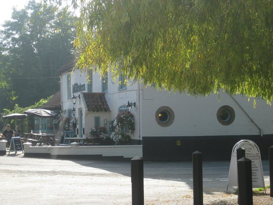 Maltsters Pub & Restaurant: Outside daytime