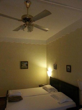 Chalston Beach Resort: The room