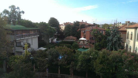 Biasutti Hotel: Private Balcony View to the left