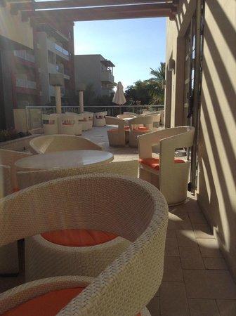 Elba Carlota Beach and Convention Resort: Terrace