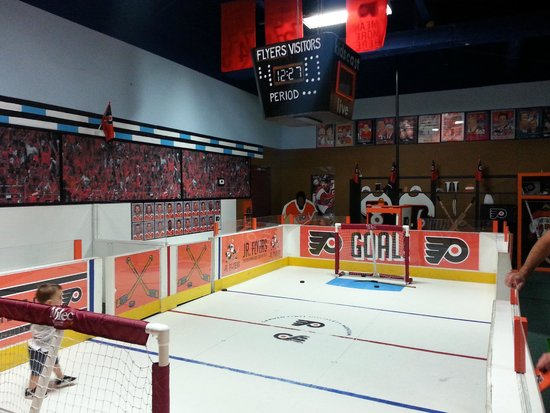 Garden State Discovery Museum: Flyer's Hockey Ring