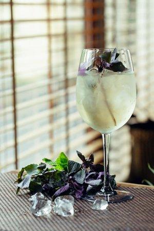 Barberry Club Restaurant: Базиликовое вино