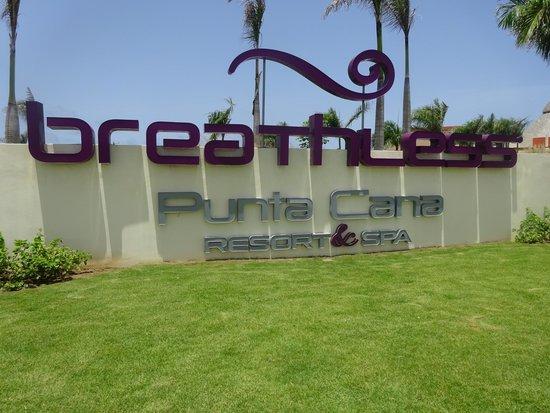 Breathless Punta Cana Resort & Spa: Entrance