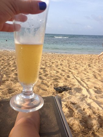 Breathless Punta Cana Resort & Spa: Relaxing on the beach