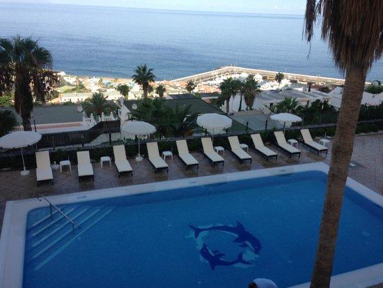 أي بي إتش أبارتامينتوس دايموند: Nieuwe zonnebedden bij het zwembad