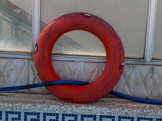Blue Sea Arenal Tower: bouee de sauvetage