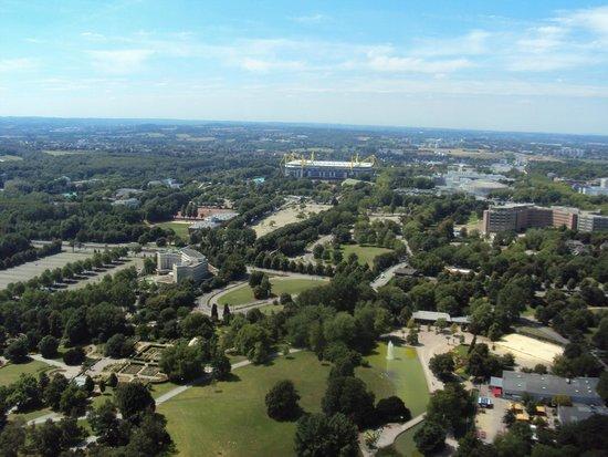 Florian Tower (Florianturm): Blick vom Florian aufs Stadion