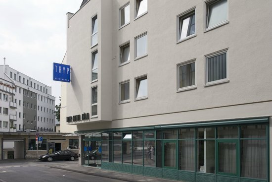 TRYP by Wyndham Koeln City Centre: Exterior