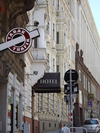 Hotel Fuerst Metternich: Lokatie hotel