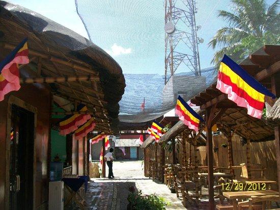 Tambilawan Kamayan Restaurant: back view