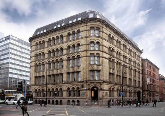 Townhouse Hotel Manchester: Day exterior