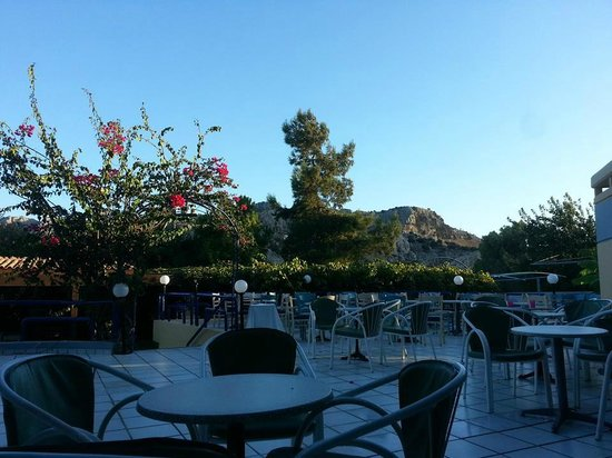 Golden Odyssey Kolimbia: Outdoor Seating Area