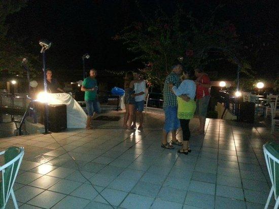 Golden Odyssey Kolimbia: Night entertainment