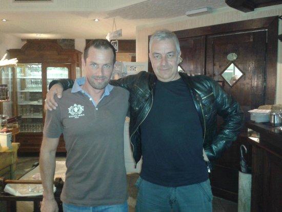 Perbacco: Marco con Davide Van De Sfroos al Per...Bacco