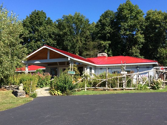 WhistleWood Farm Bed and Breakfast: The farmhouse