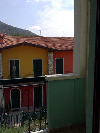 هوتل لا فونتي: Vista dal balcone Camera 218