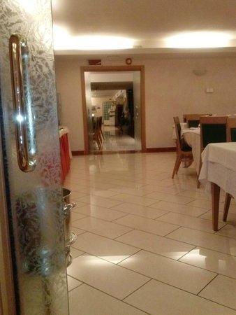 هوتل لا فونتي: Sala ristorante.