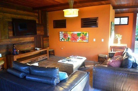 Hotel Ponta do Madeiro: Sala de TV