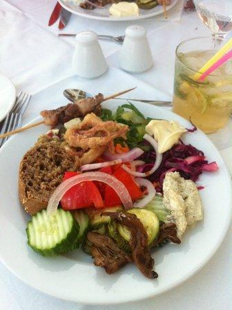 أكوي أفالون هوتل: repas