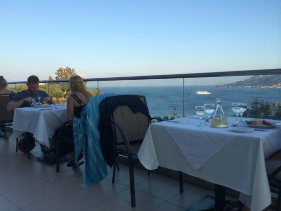أكوي أفالون هوتل: vue de la terrasse repas