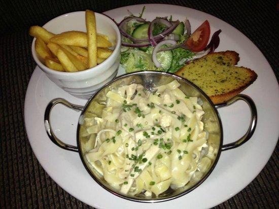 The Oasis Restaurant: Chicken Tagliatelle