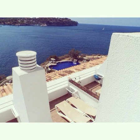 Sentido Punta Del Mar: View of pool from our balcony
