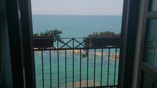 دوموس مارياي ألبيرجو: vistas desde nuestro balcon