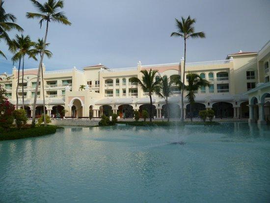 غران هوتيل ايباروستار بافارو: Hotel grounds