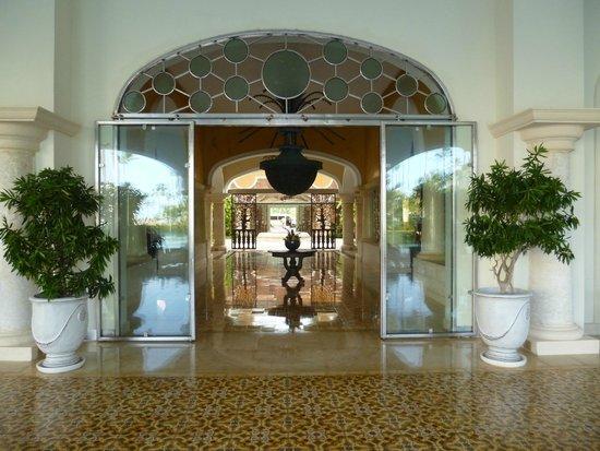 غران هوتيل ايباروستار بافارو: entrance