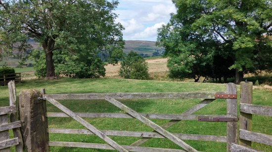 Ann's Cottage and The Old Smithy: Country views