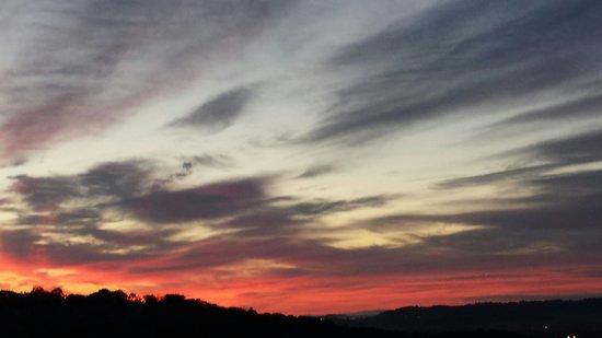 شاتوه أون ذا ليك ريزورت سبا آند كونفنشن: Sunrise pic