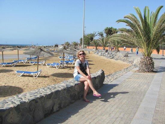 Elba Carlota Beach and Convention Resort: Пляж отеля