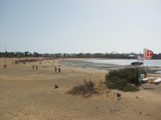 Elba Carlota Beach and Convention Resort: Пляж Калеты де Фусто (городской), 20 минут от отеля