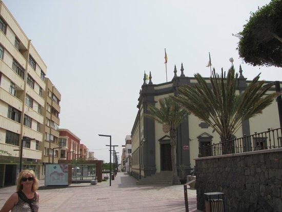 Elba Carlota Beach and Convention Resort: Пуэто де Розарио - столица острова