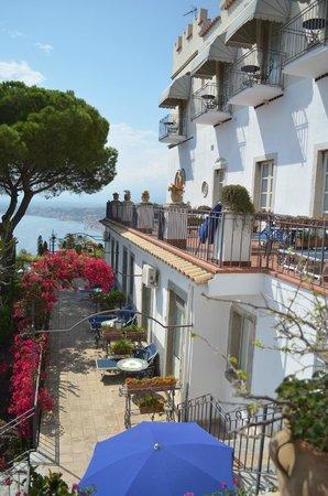 Hotel Bel Soggiorno: Vue sur notre terrasse
