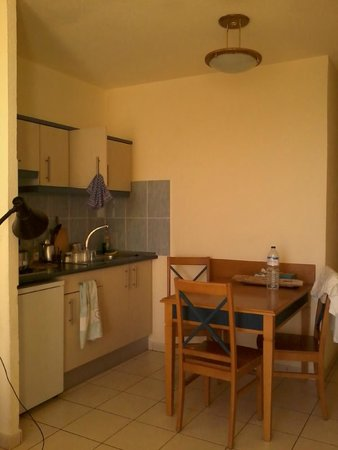 Palm Garden Apartments : Cucina