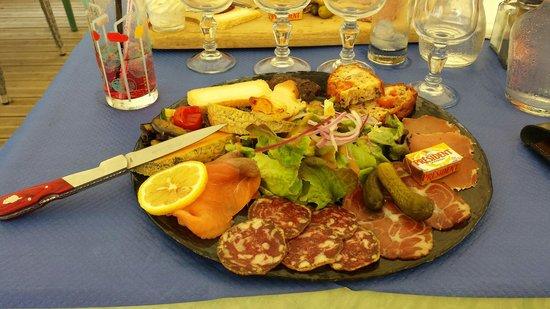 Assiette anti pasti restaurant marina de Aleria