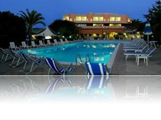 Residence Hotel Felix: PISCINA