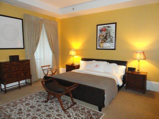 لوتل مونتريال: Spacious King suite
